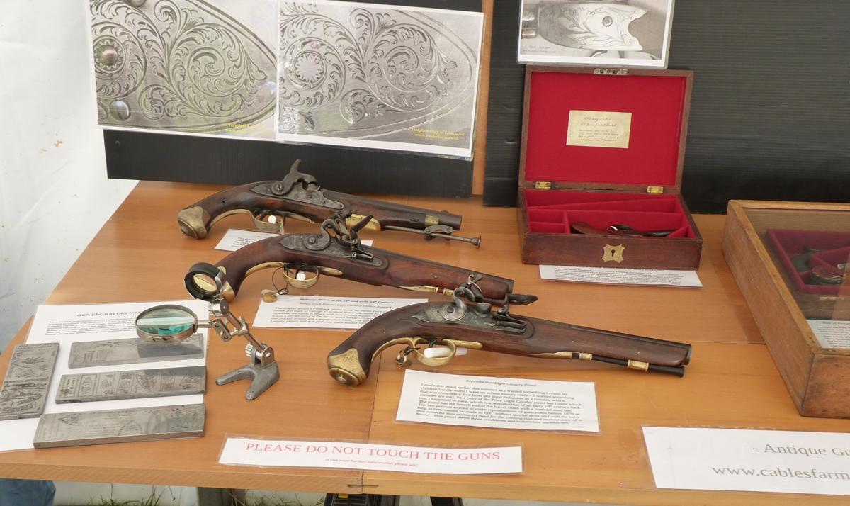 display-pistols